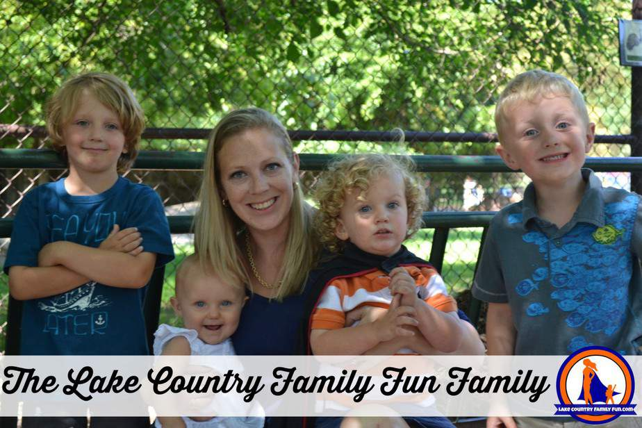 Lake Country Family Fun Family Photo Melissa Peterson Mom Blogger Vilas Zoo