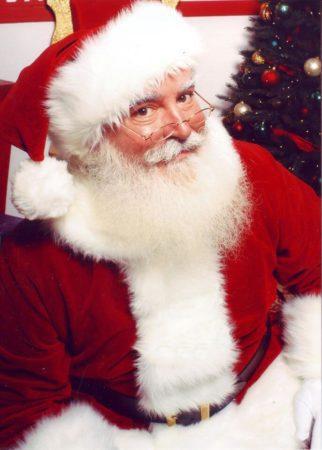 Santa at Piggly Wiggly Annual Visit of Santa Claus Photos with Santa Breakfast with Santa, Waukesha Masonic Lodge Lake Country Family Fun Santa Photos at Harley Davidson Wisconsin Oconomowoc Santa at the Johnson Creek Outlet