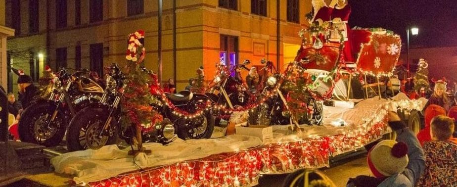 Christmas in Dousman, Santa Comes to Town • Page 11 of 285 • Lake ...