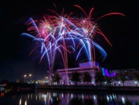 Milwaukee Holiday Lights Kick-off and Festival