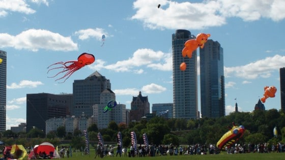 Maggiano's Family Kite Festival, Milwaukee Lakefront
