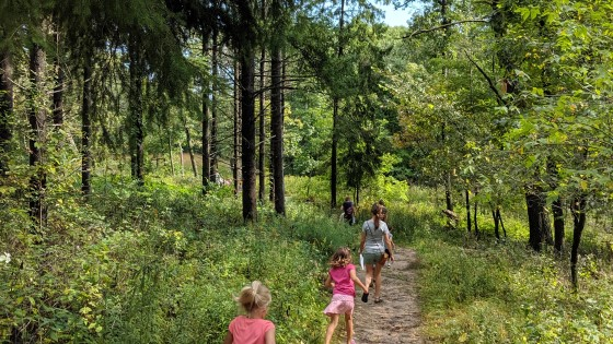3 Great Spring Hikes in Waukesha County For Families