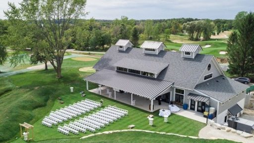 carriage house club at lac la belle featured image