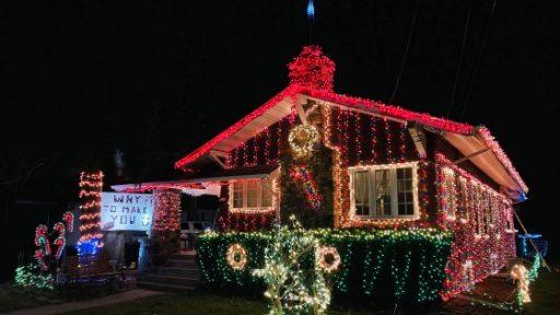 Oconomowoc Carpenter Lights Display 2020